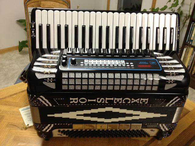 Excelsior Model 911 M Professional Midivox Series 3 Electronic Accordion Extra $2400