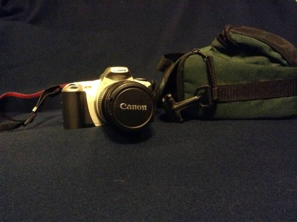 Canon Rebel 2000 EOS- Camera - $75 (Fort Worth)