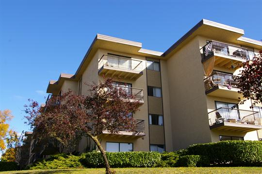 1 135  2br  243 Gorge Road East  Victoria - 2 bedroom Apartment for Rent -BC