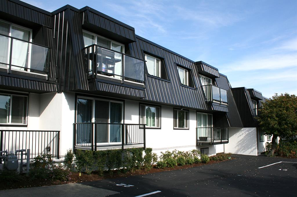 1 200  2br  3820 Shelbourne Street  Victoria - 2 bedroom Apartment for Rent -BC