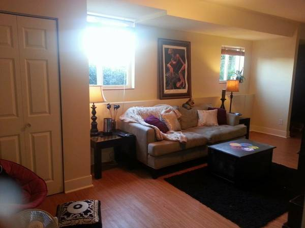 $625 Roommate wanted in Fernwood