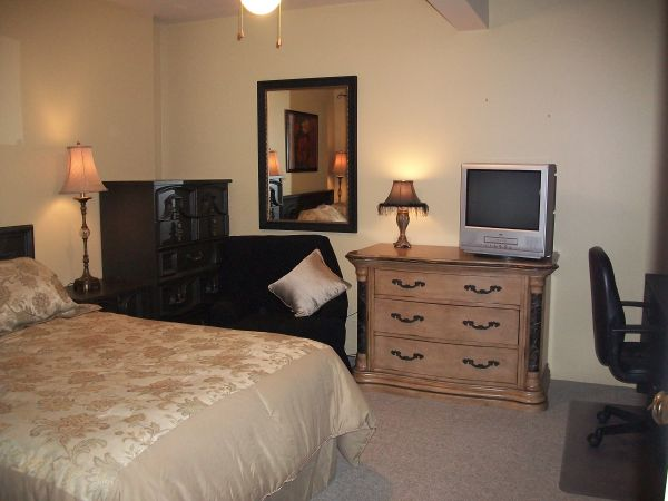 $630 3 Fully Furnished rooms for rent- UVic Area (starting at $630) (UVic area)