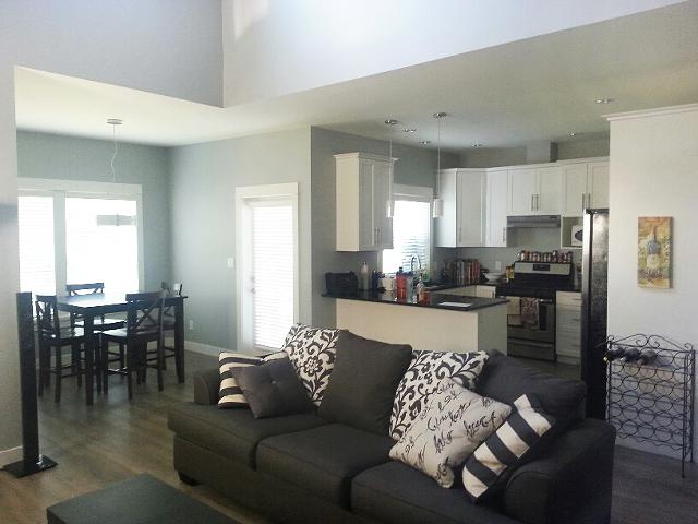 590  2br  2 Bedrooms Avail  Fully Furnished to Studentsprofessionals  No Preference