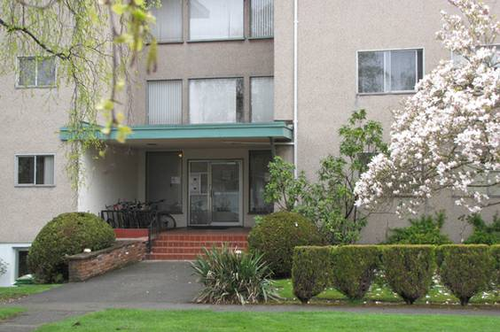 - $800 1br - Fully Furnished 1 Bedroom Apt to Sublet for Summer (2129 Florence St)