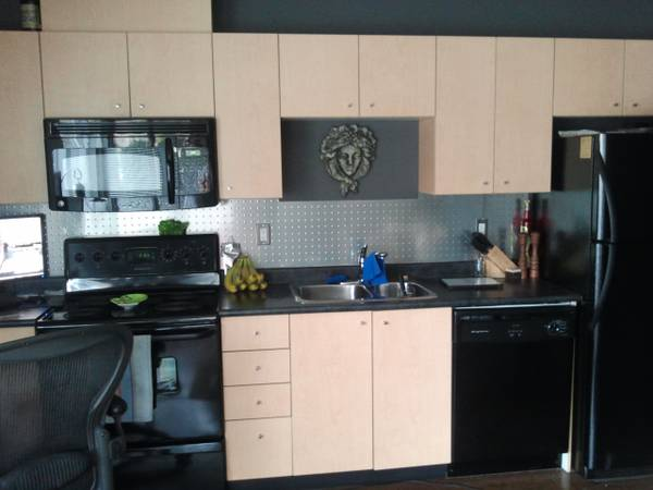 x0024 1500   1br - 500ft sup2  - My condo in Victoria for yours in Vancouver  Downtown