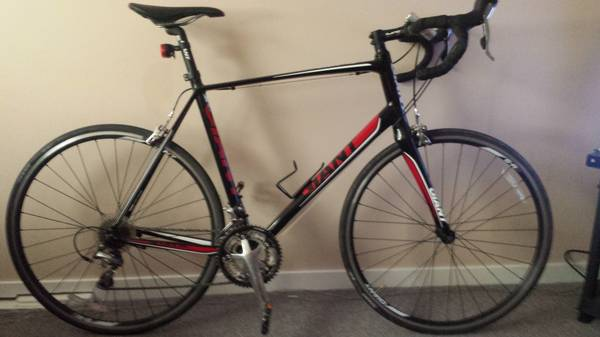 Giant Defy road bike - x00241000 (victoria bc)