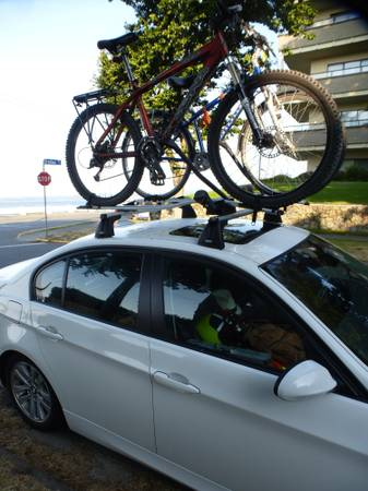 THULE bike rack for car roof - $100 (James Bay)