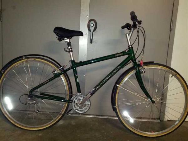 3e5cf64f956 BICYCLE FOR SALE CANNONDALE H300 HYBRID BIKE - $400 (VICTORIA)
