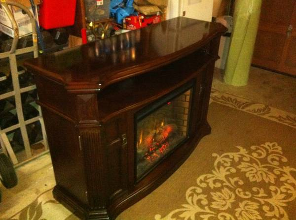 Twin star international Media electric fireplace - $500 (Langford)