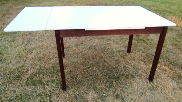 Table - $15 (Sidney  -  Victoria)