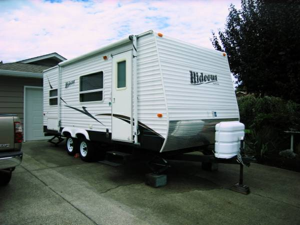 2008 Keystone Hideout Travel Trailer (19 FLB) - $12400 (Qualicum Beach)