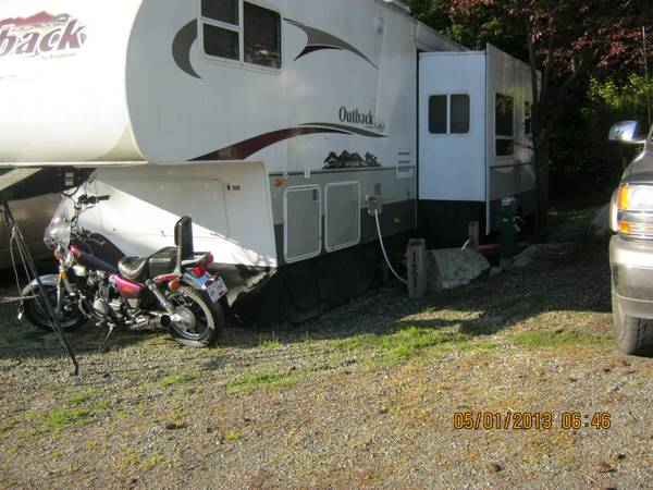 2006, 32 OUTBACK 5TH WHEEL TRAILER - $18000 (SAANICHTON)