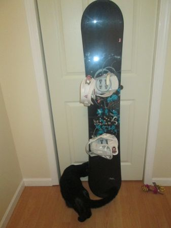 K2 WOMANS SNOWBOARD 151 SKYLA WITH K2 CHARM BINDINGS - $300 (Tillicum)