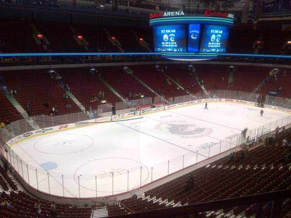 YES HERE CHEAP VANCOUVER CANUCKS TICKETS IN OCT NOV DEC FROM $80 EACH - $79 (LOCAL PICK UP IN VICTORIA)
