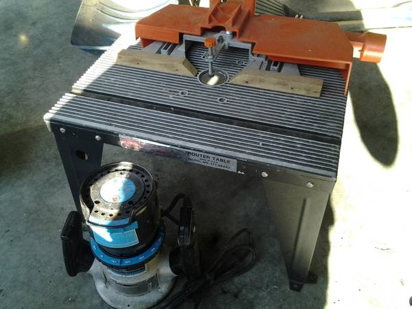sears router and table - $50 (sooke)