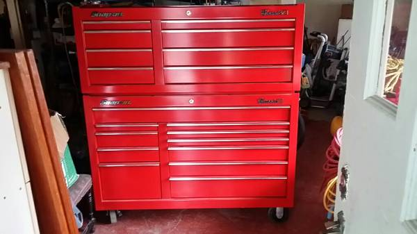 Snap On Classic 78 Red Tool Box w Roller Cab - x00244300 (victoria bc)