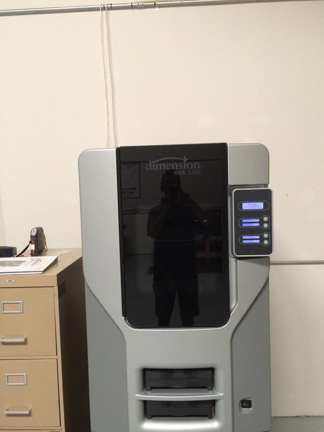 4 000  Stratasys Dimension SST 1200 3D Printer