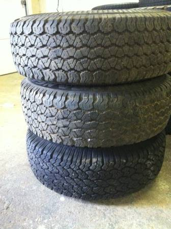 31 inch tires Goodyear wrangler - $140 (victoria)