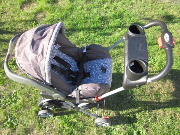 Evenflo Embrace Enfant Car Seat and Baby Trend Snap N Go Stroller - $50 (Fairfield Road Foul Bay Road)