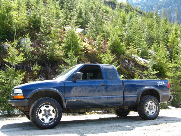 2002 Chevy S10 ZR2 - $3500 (South Surrey)