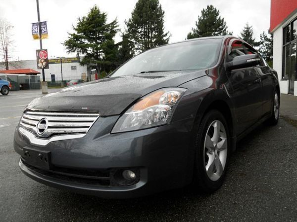2008 Nissan ALTIMA 3.5 SE  Bad credit but need a Great car Call now or appl - $10988 (Lower Mainland Low Payments Low Rates, BC)