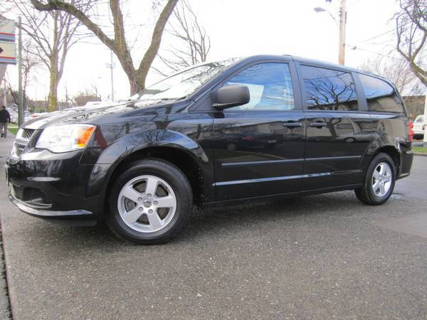 2011 Dodge Grand Caravan No Accidents Clean One Owner B.C Vehicle - $18900 (Victoria)