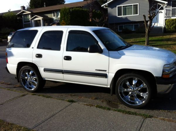 2000 Chevy Tahoe on 24s - $6500 (Vic)
