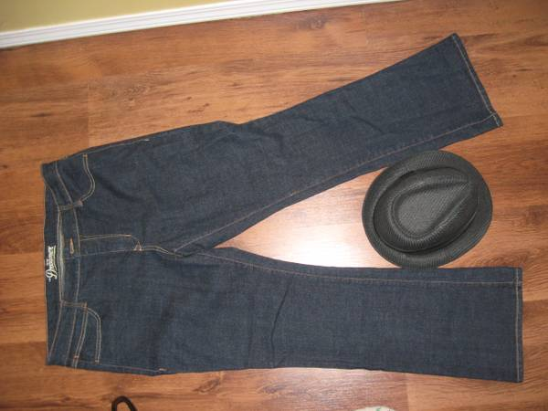 Awesome Clothing and Shoes must go - $1234 (Saanich)
