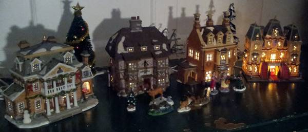 Christmas Village Houses - Department 56, Lemax - $60 (Rockland)