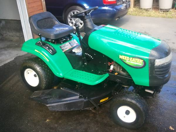Weed Eater Lawn Tractor 13.5 HP - $995 (Victoria)