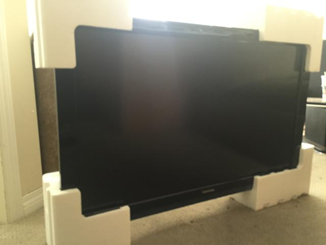 350  40 Toshiba Flatscreen TV mint condition
