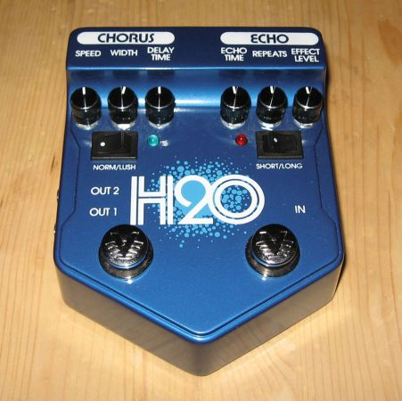 Visual Sound H2O Dual ChorusDelay Version 2 Guitar Pedal - $150 (Saanich)
