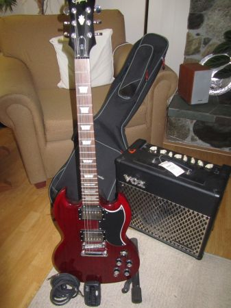 Like-New Epiphone G-400 SG Guitar VOX Valvetronix 30W Amp - $530 (OBO) (Central Saanich)