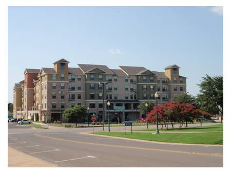 - $450 SUBLEASE ready to move in (heritage quarters)