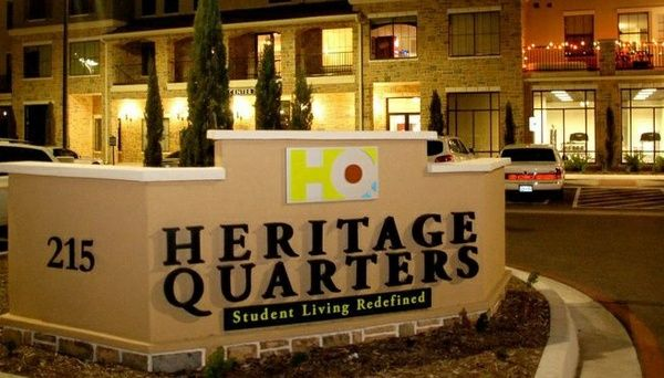 $525 1br - Room at Luxurious Heritage Quarters (Downtown Waco)