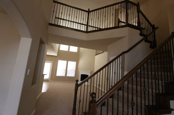 - $750 2500ftsup2 - FABULOUS room in LUXURY NEW house Furnished (Frisco)