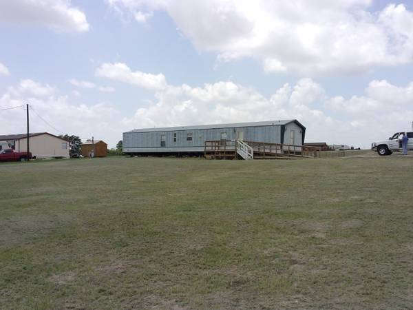 3br - 997ft sup2  - Mobile Home and 1 Acre land trade for Motor Home RV  Springtown  Texas