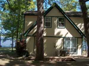 ENJOY RELAXINGWaterfront Houses 1112 (Lake Cypress Springs nearMt.VernonWinnsboro100 miles to Da)