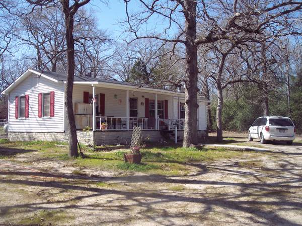 $70000 2br - 1450ftsup2 - for sale a older frame home with 2 baths (buffalo, tx)