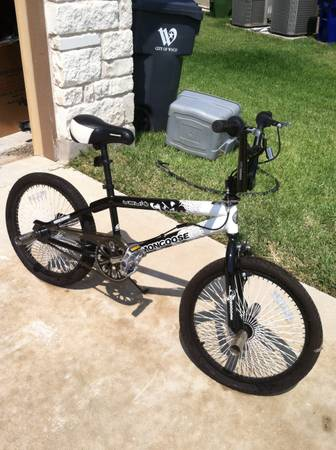 Mongoose Kids Bike Black White with Stunt Pegs Like New - $60 (China Spring)