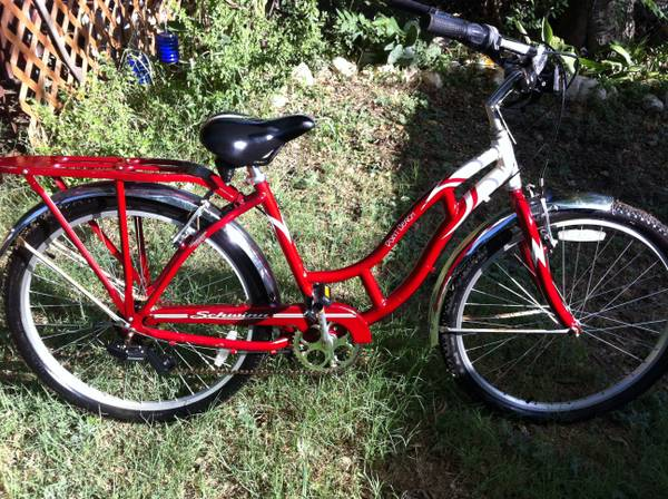 Schwinn womans bicycle 7 Speed very nice. - $125 (McGregor)