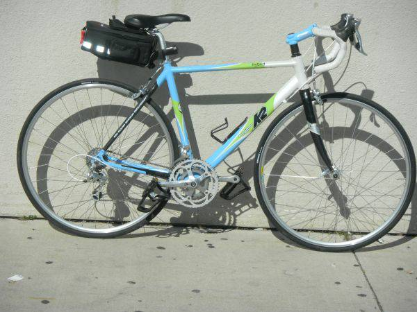 Road Bike - $500 (Lacy Lakeview)