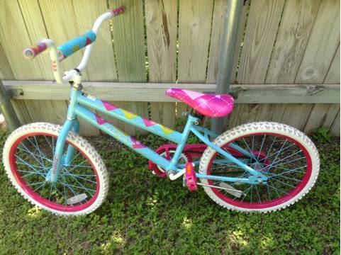 Huffy Sea star 20 girls bike, light ble - $40 (Hewitt)