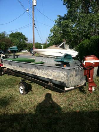 16ft simi v aluminum boat with great running evinrude motor on trailer with new - $975 (Elm mott)