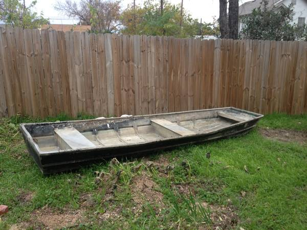 flat bottom aluminum boat 15 ft - $350 (waco)