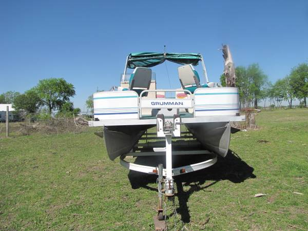 20 ft. pontoon boat - $3750 (Troy)