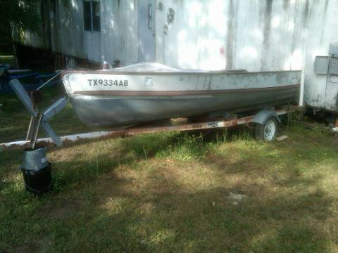 Aluminum boat and trailer - $500 (Groesbeck)