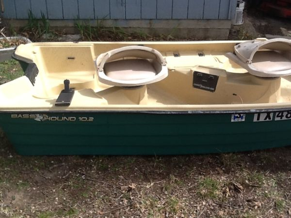10.2 Bass Hound ready to fish, Nissan 2.5HP Outboard Completely rebuil (Corsicana)