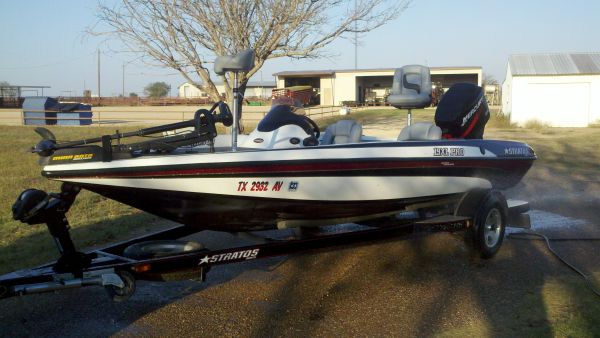 2003 Stratos 19XL PRO Bass Boat - $15000 (Crawford, Texas)