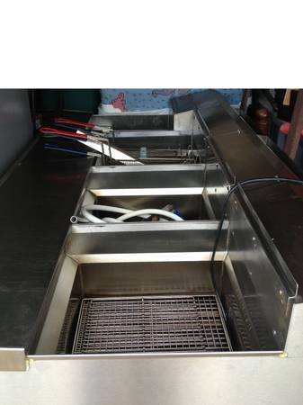 UltraFryer System, Gas - 1 year use (Used) - $18000 (Central Texas)